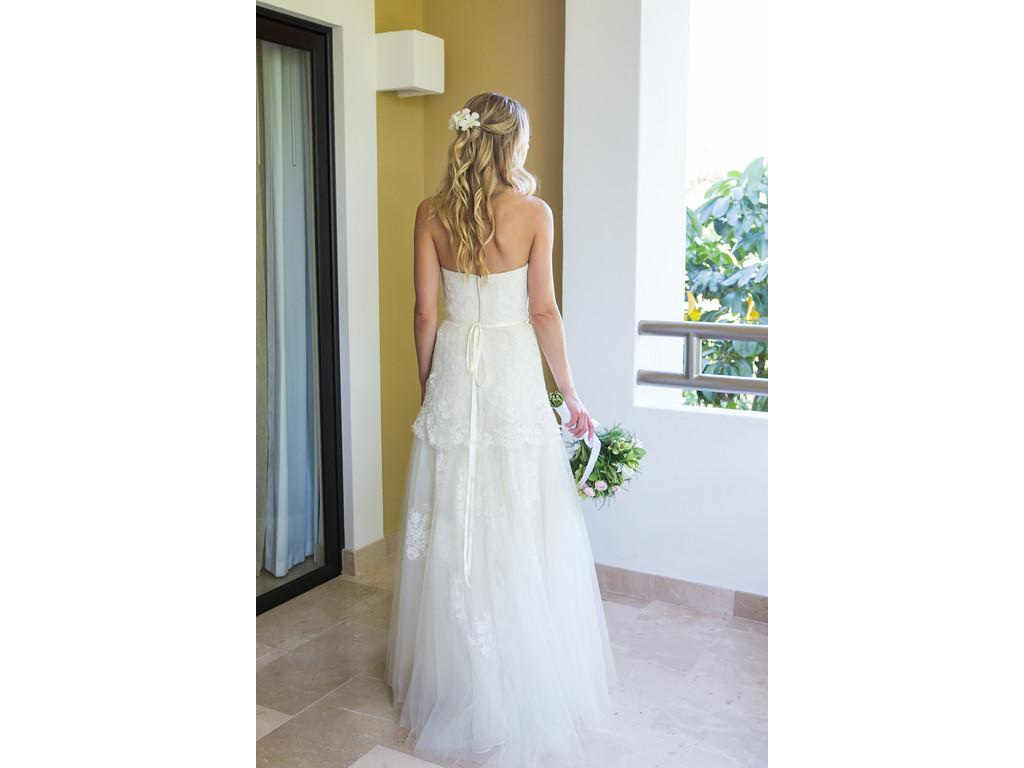 Wedding Dresses For USD 800 : Rivini wedding dress currently for sale at off retail