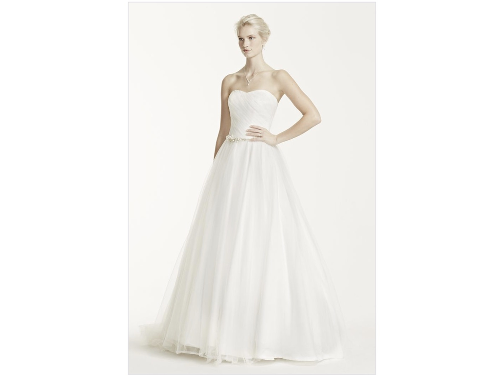 David 39 s bridal strapless ruched bodice tulle wedding dress for David s bridal tulle wedding dress