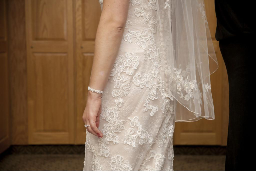 Casablanca 700 size 14 used wedding dresses for Wedding dresses size 14
