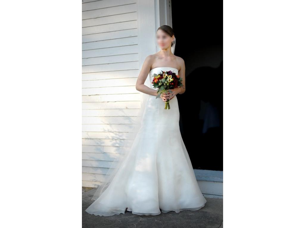 Vera wang 1 000 size 2 used wedding dresses for Vera wang wedding dress used