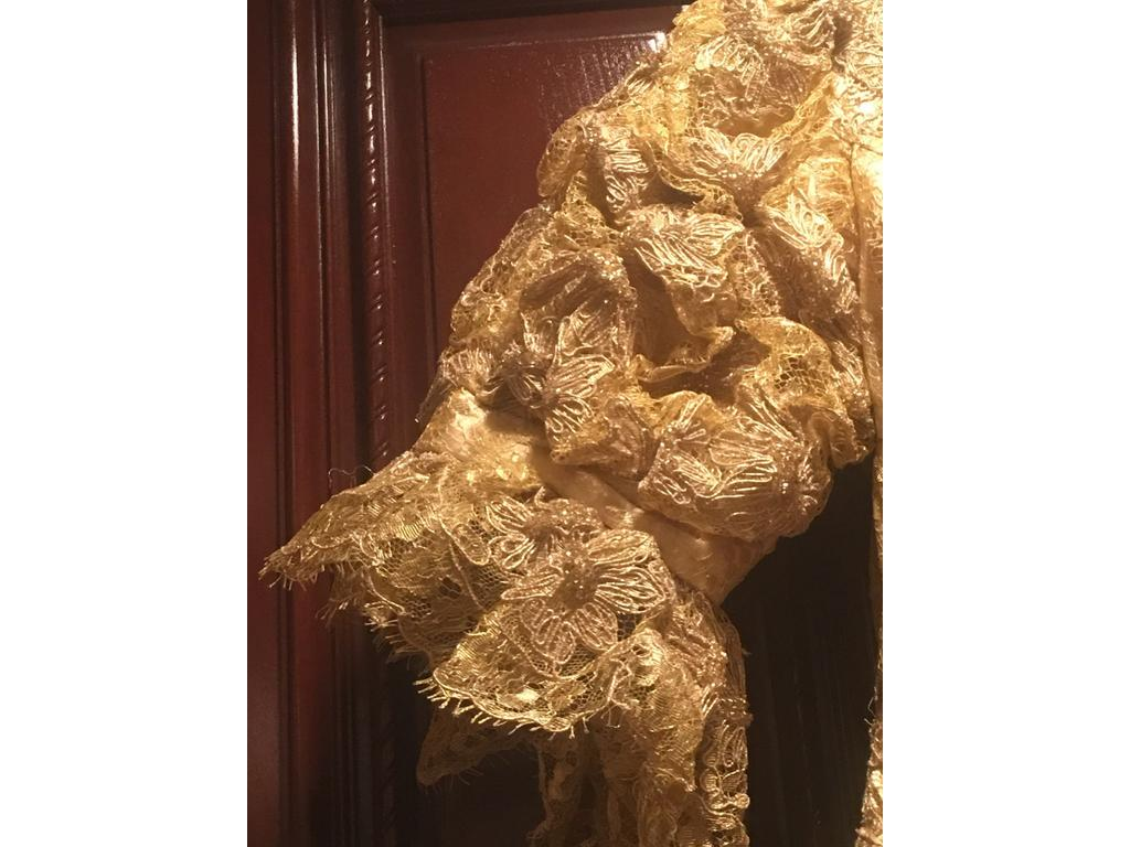 Other baracci haute couture size 0 mother of the for Haute couture sale
