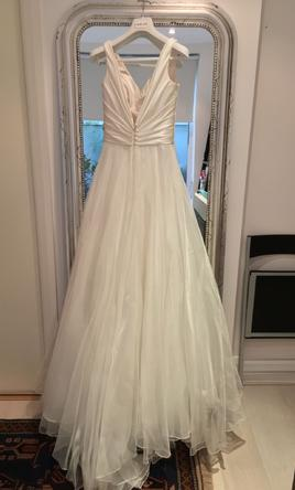 Le spose di gio cl39 classica 2 500 size 8 used for Di gio wedding dress prices