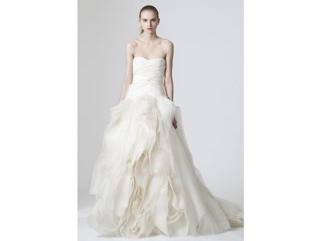 Vera wang diana 3 000 size 4 new un altered wedding for Vera wang wedding dress for sale