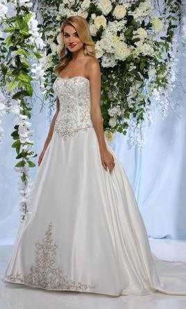 Impression Style: 10372 Fabric: Satin Color: Ivory; White 12