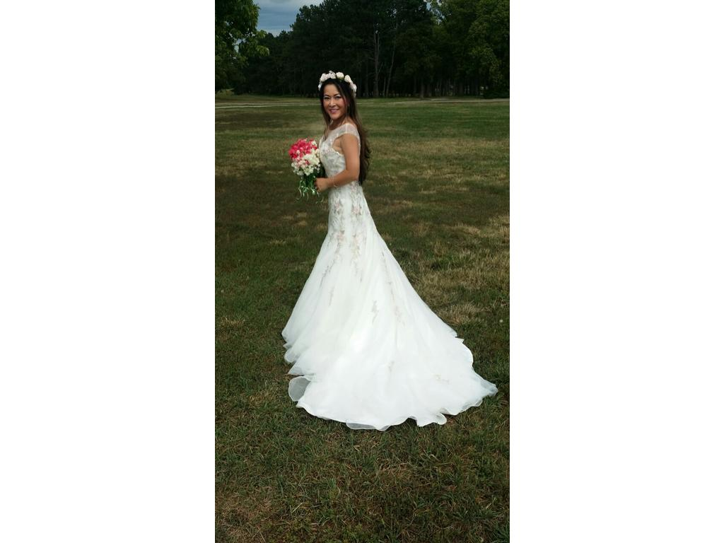 White Wedding Dress With Colored Flowers : Alfred angelo size new un altered wedding dresses