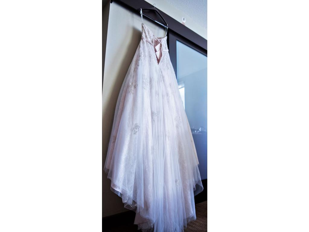 Stella york 1 500 size 10 used wedding dresses for Pre owned wedding dresses