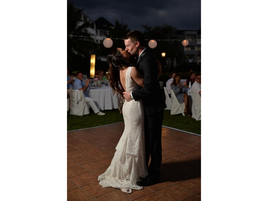 Used wedding dresses for sale canada bridesmaid dresses for Previously worn wedding dresses for sale