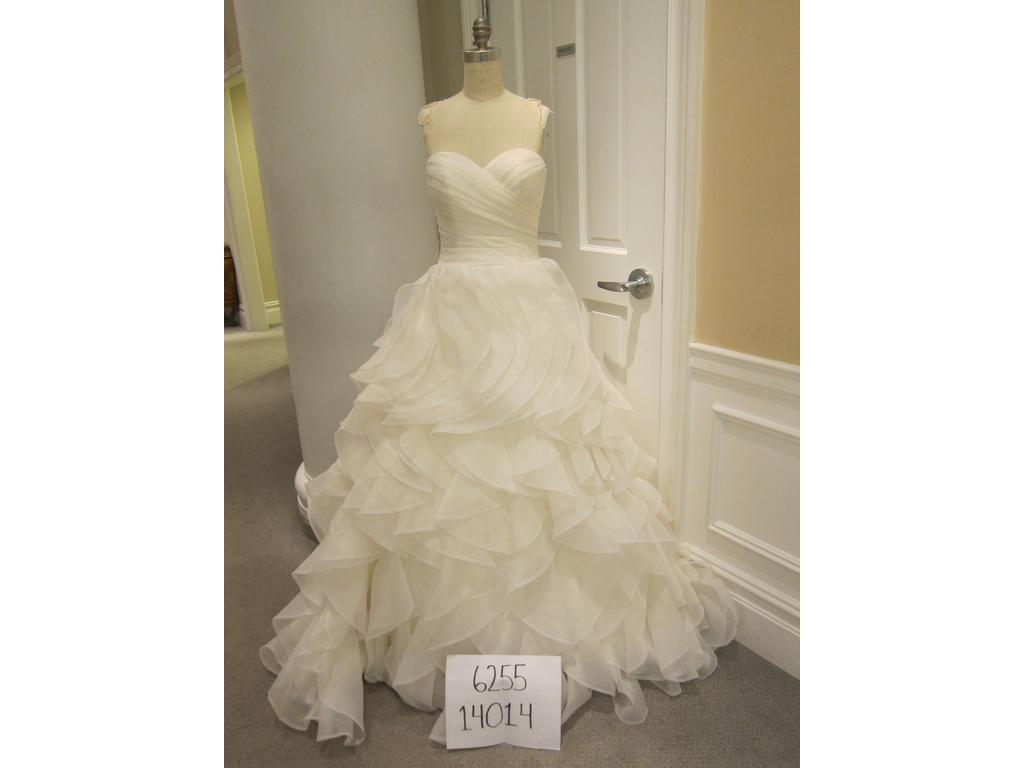 Dennis Basso 14014, $1,050 Size: 8 | New (Un-Altered) Wedding Dresses