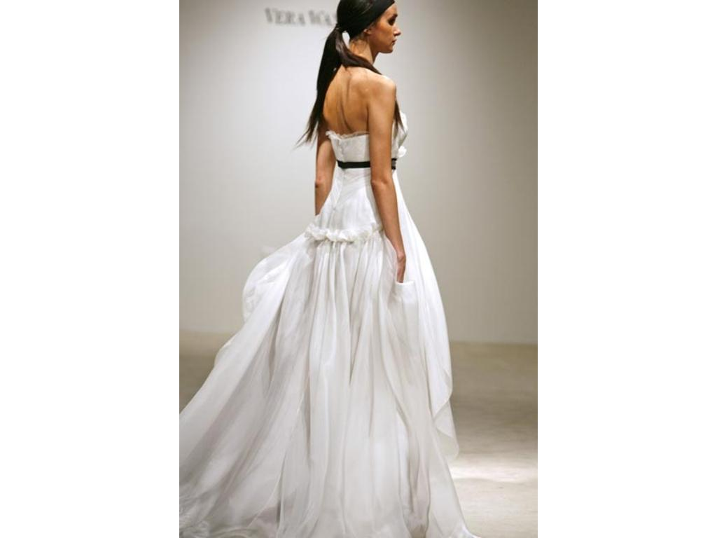 Vera wang organza tulle wedding gown 4 000 size 6 new for Tulle and organza wedding dresses