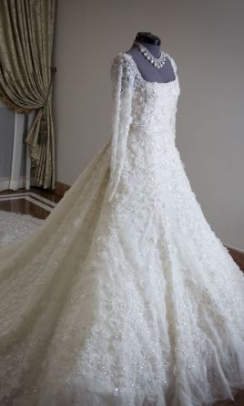 Elie saab custom made 7500 size 2 used wedding dresses pin it elie saab custom made 2 junglespirit Images