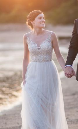 Search used wedding dresses preowned wedding gowns for sale for Where to sell wedding dress near me