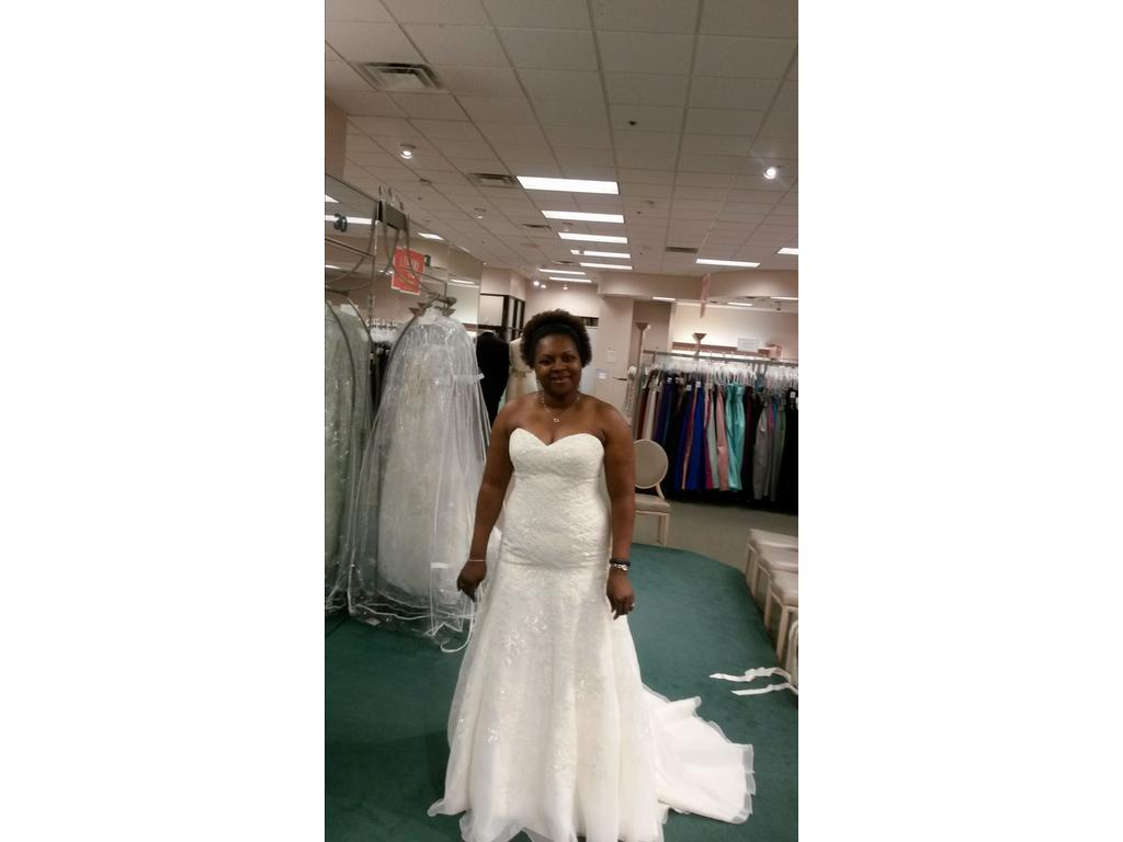 Wedding Dresses For USD 800 : David s bridal wedding dress currently for sale at off retail