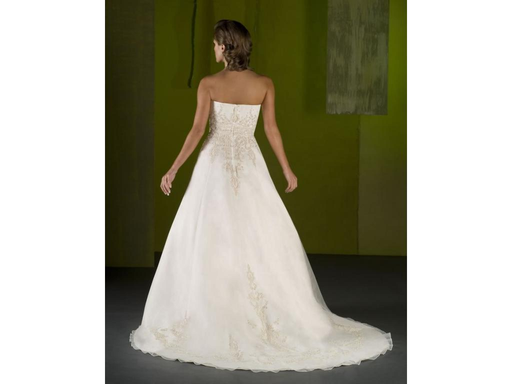 Emerald bridal 4007 99 size 14 new un altered for Wedding dresses for 99