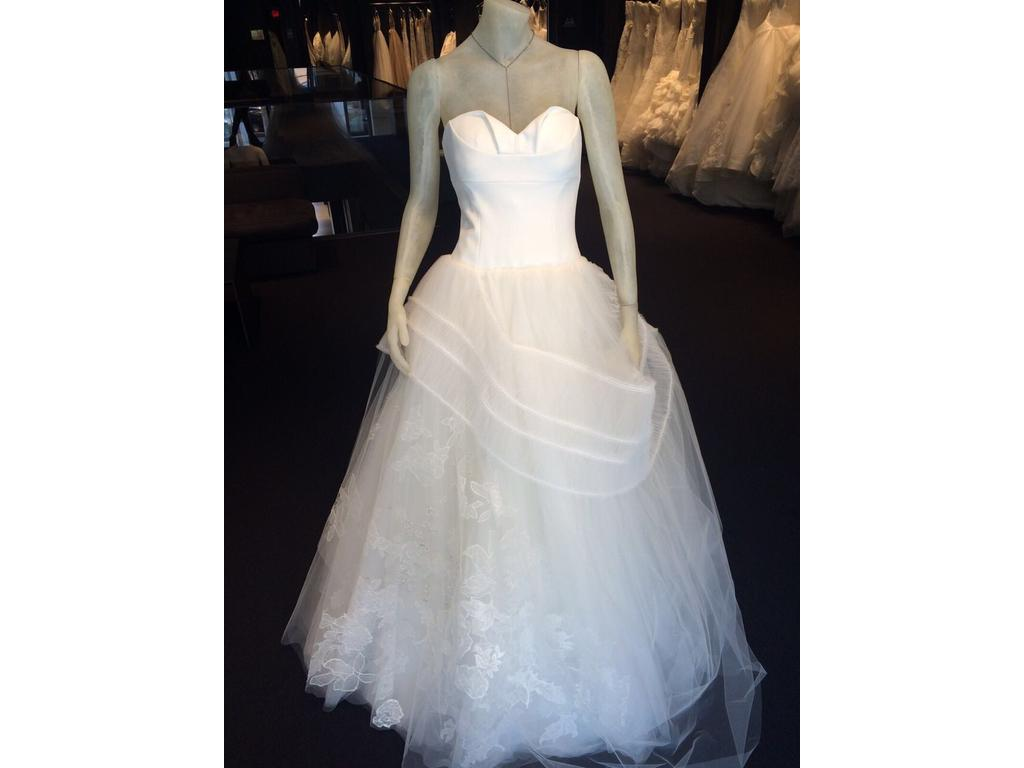 Vera wang 3 500 size 14 used wedding dresses for Used vera wang wedding dresses