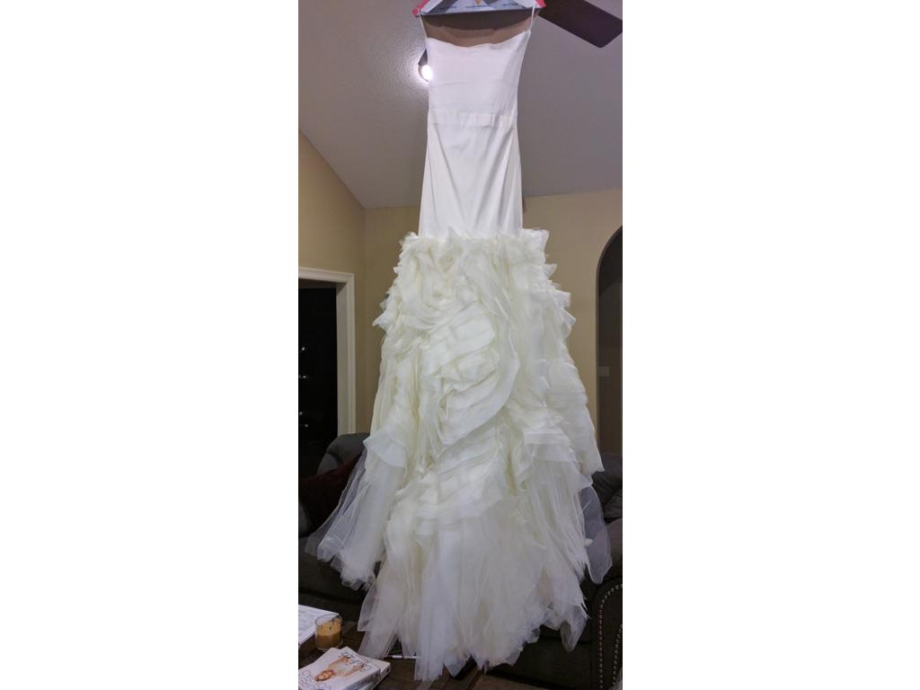 Vera wang kathleen 2 600 size 8 used wedding dresses for Vera wang wedding dress used