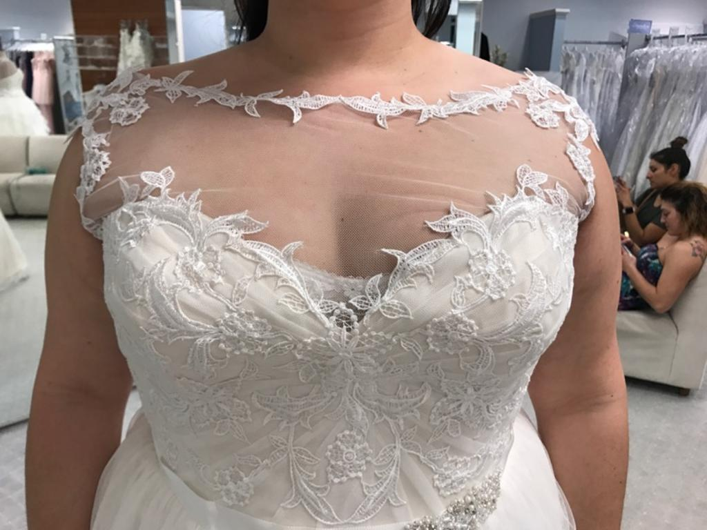 Alfred Angelo 8561, $875 Size: 20W