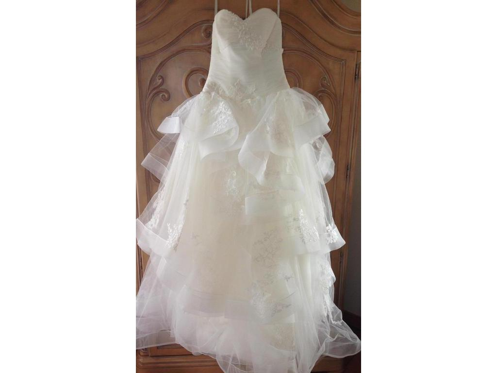 Vera wang white vw351197 949 size 0 used wedding dresses for Used wedding dress size 0