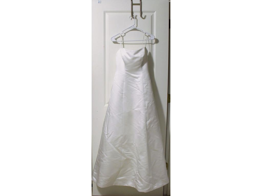 Alfred angelo 350 size 0 used wedding dresses for Used wedding dress size 0