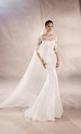 Romantic wedding dresses preowned wedding dresses pronovias yasu 12 junglespirit Image collections