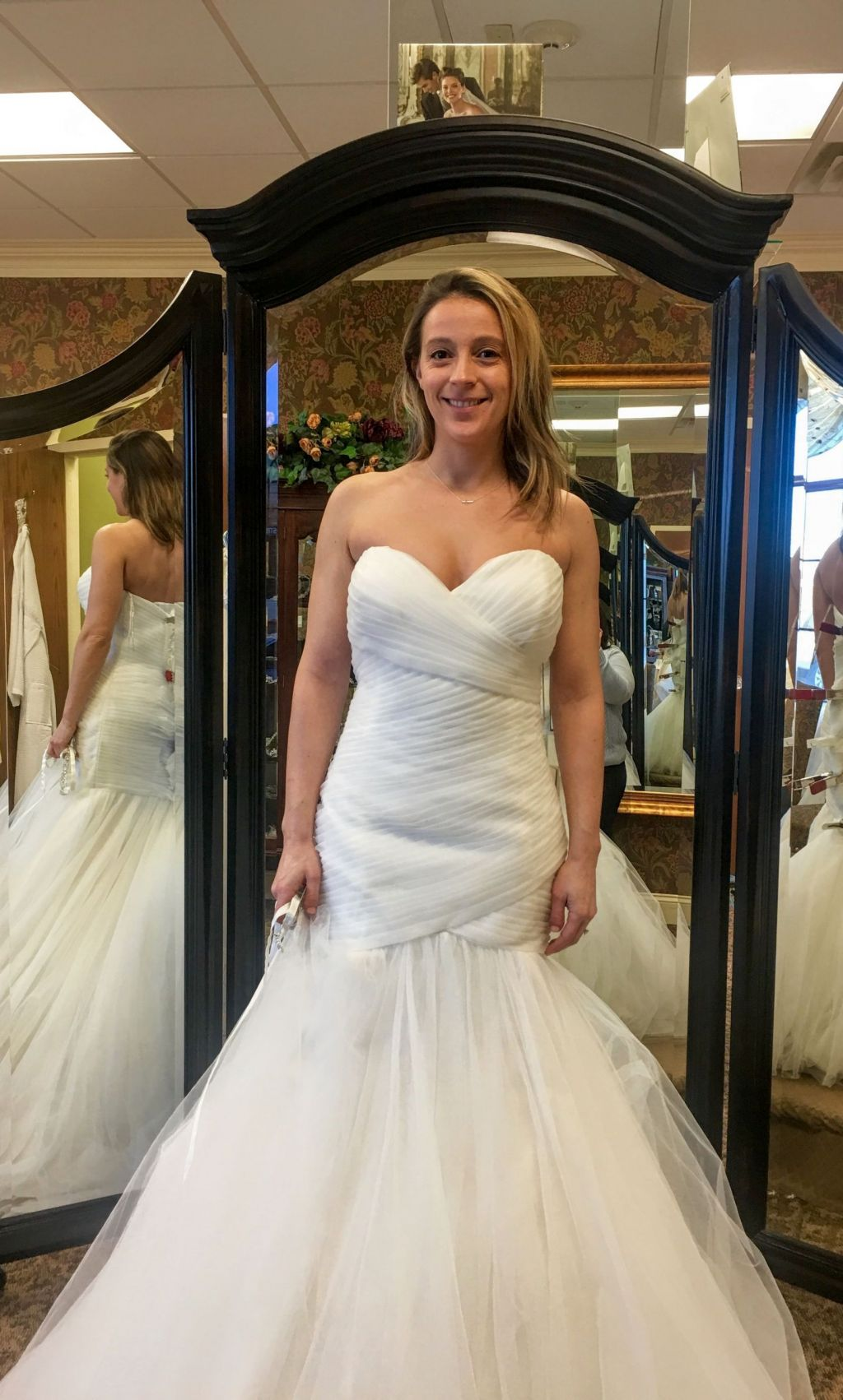 Maggie sottero lacey 800 size 8 new un altered for Maggie sottero wedding dress sale