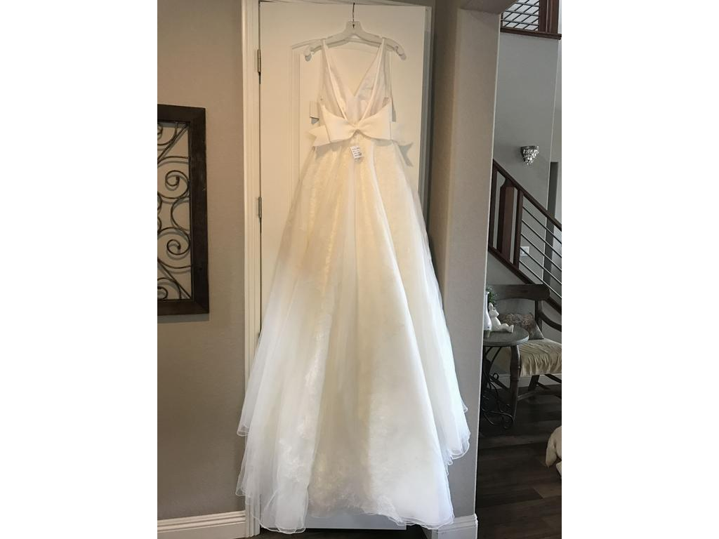 Vera wang white vw351318 1 200 size 4 new un altered for Vera wang wedding dress for sale