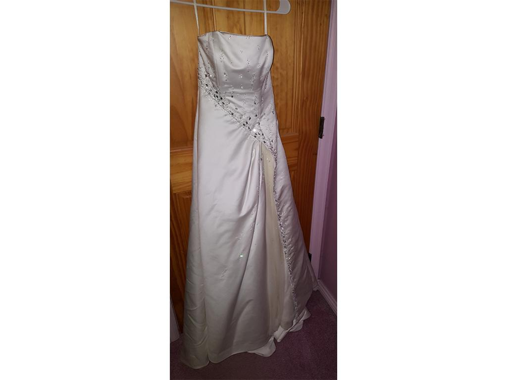 Maggie sottero 499 size 8 used wedding dresses for Wedding dresses grand junction co