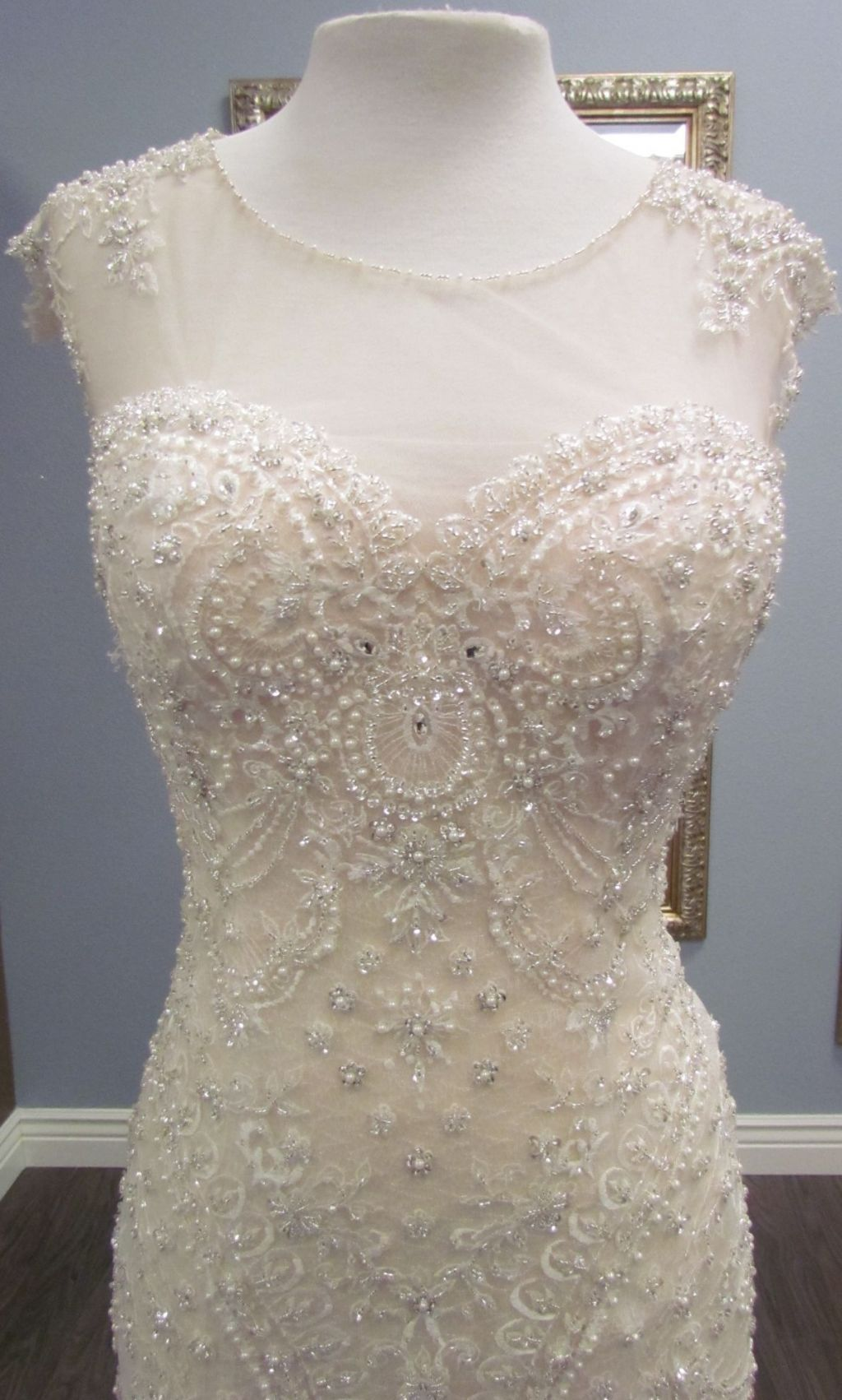 Maggie sottero petra 900 size 10 sample wedding dresses for Who sells maggie sottero wedding dresses