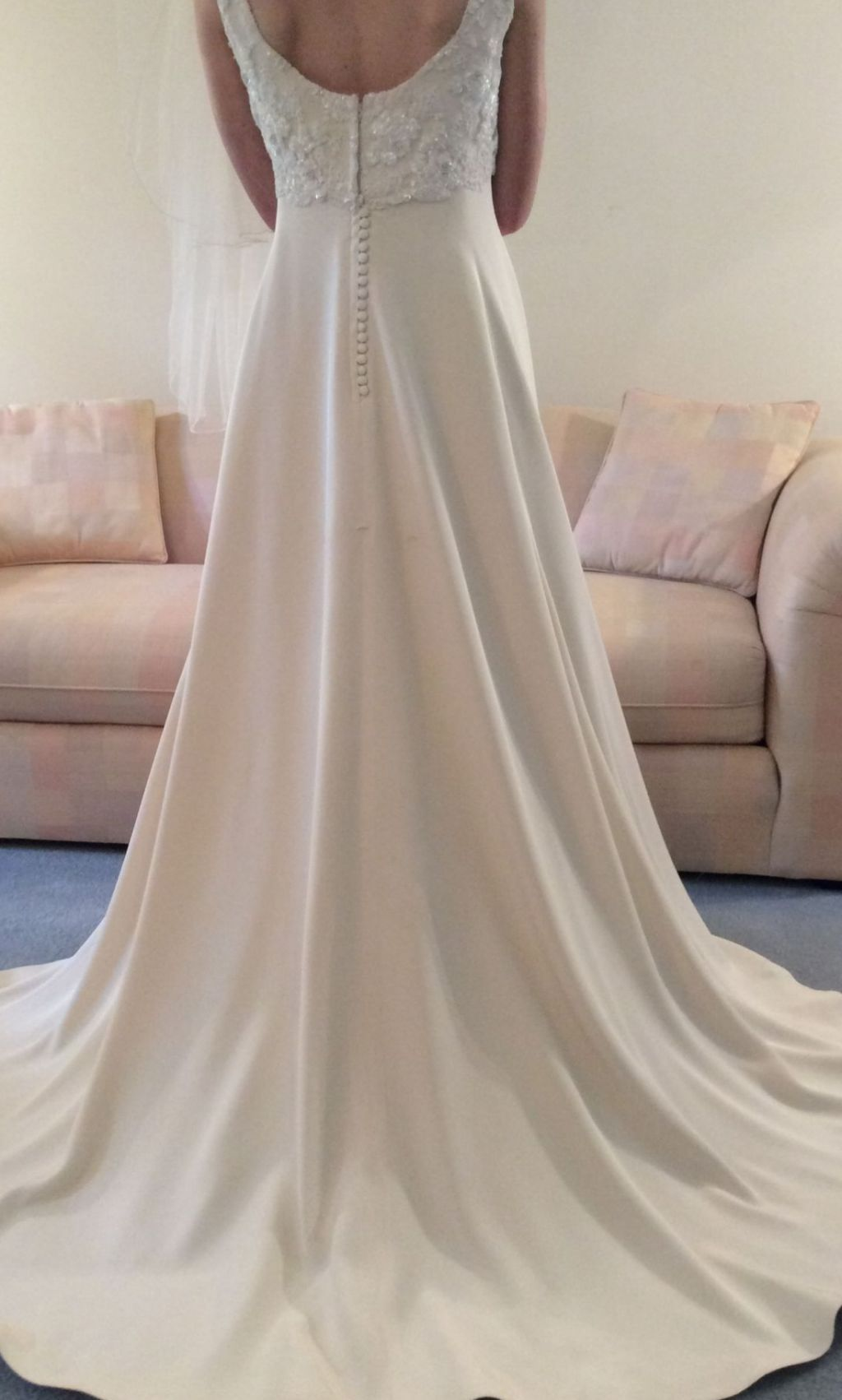 Vera wang 799 size 14 used wedding dresses for Vera wang wedding dresses prices