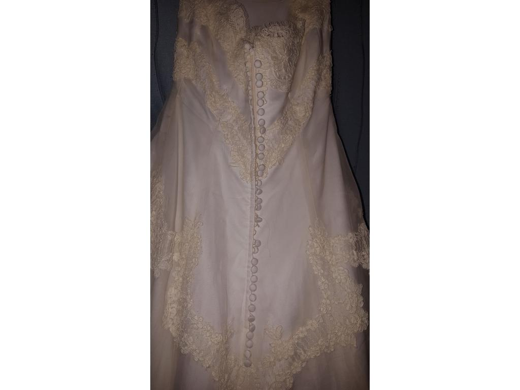 Jasmine t834 haute couture 499 size 10 used wedding for Haute couture sale