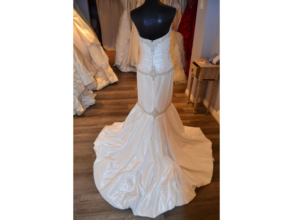 Alfred angelo 2025 300 size 10 new un altered for Wedding dresses under 300