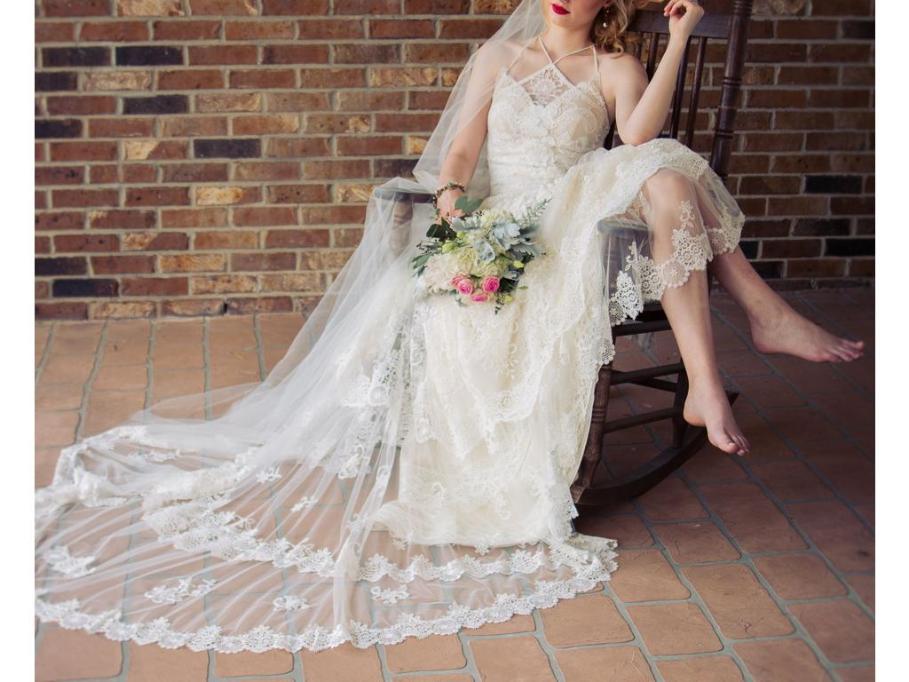 Sell used wedding dresses las vegas flower girl dresses for Sell preowned wedding dress