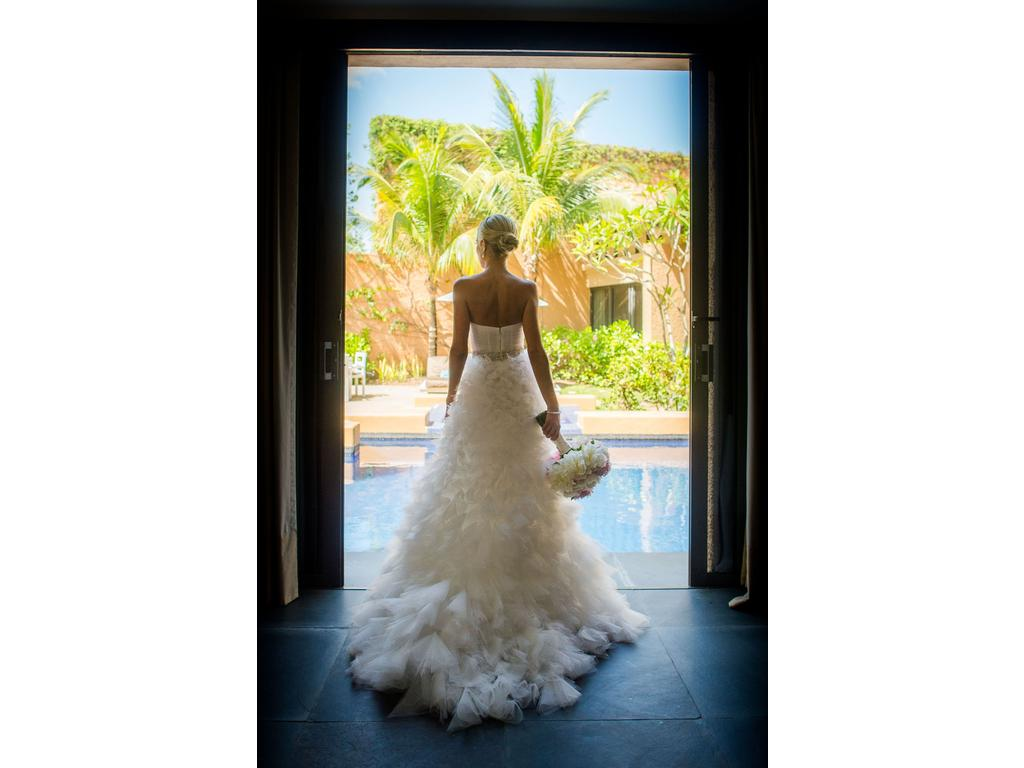 Monique Lhuillier Reese, $3,900 Size: 0 | Used Wedding Dresses