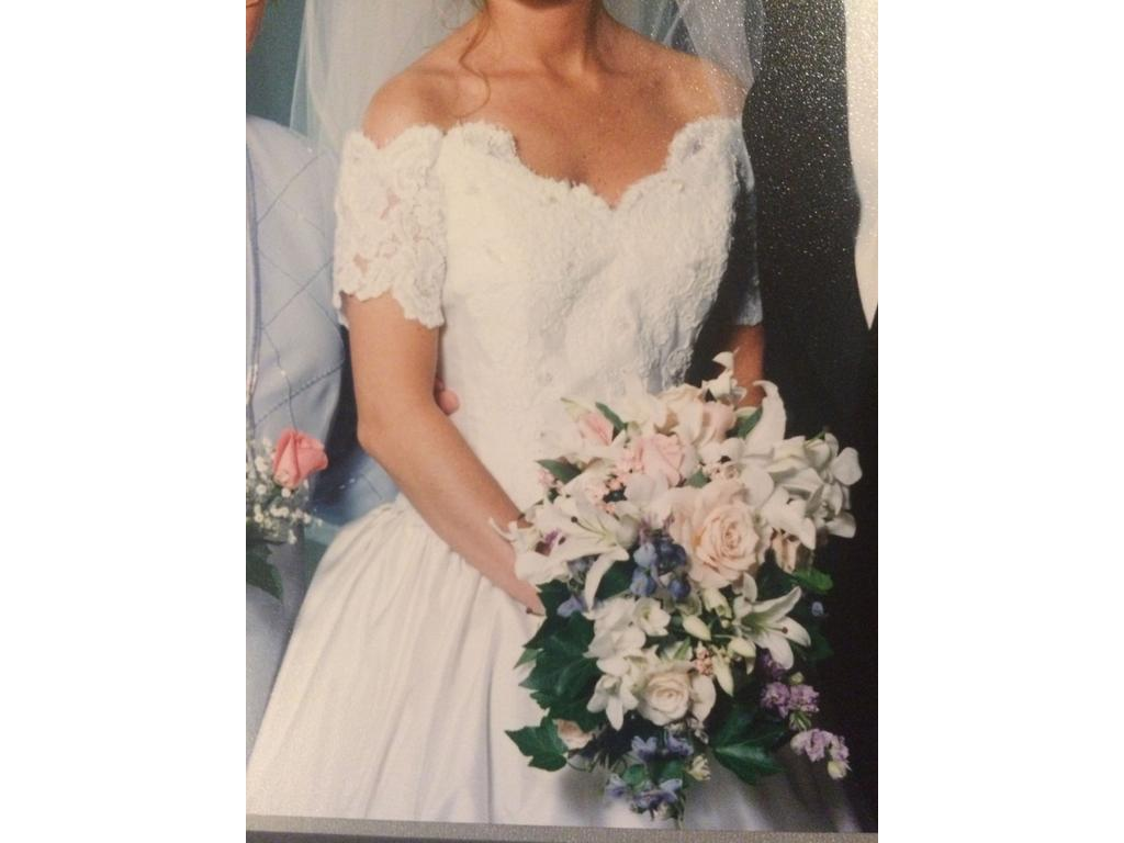 Preowned Wedding Dresses Nyc : Other riccio of new york wedding dress currently for sale at off