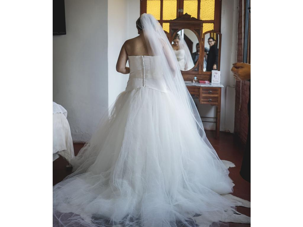 Famous Vera Wang Black And White Wedding Dress Component - All ...