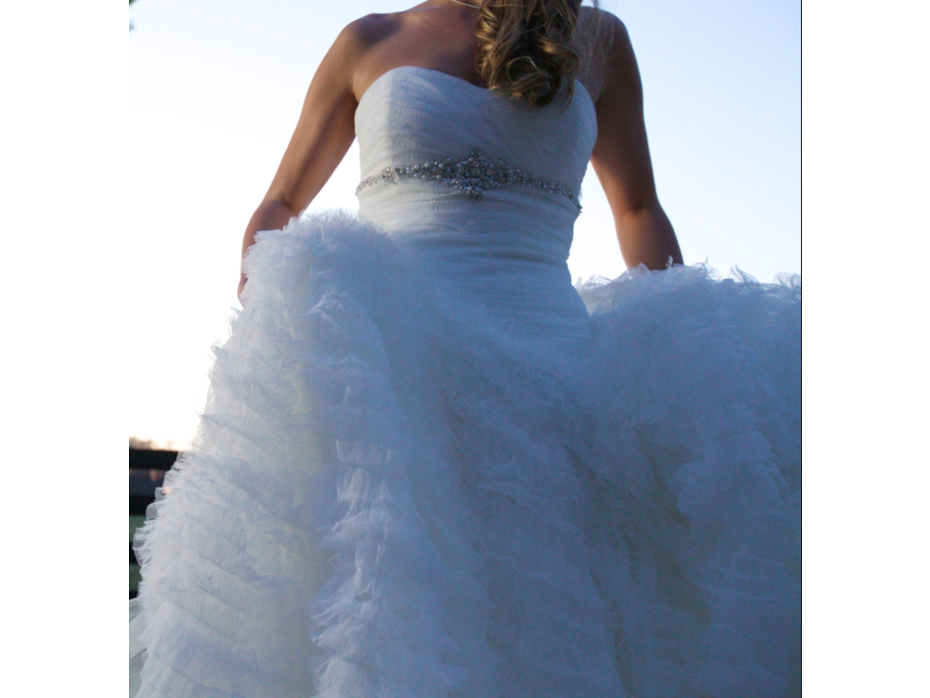 Jasmine haute couture 178 size 10 used wedding dresses for Haute couture cost