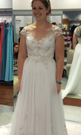 Alfred Angelo 8545 with Matching Veil and Two Petticoats 8