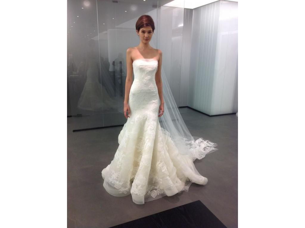 Vera wang wedding dresses for sale preowned wedding dresses vera wang leda condition used ombrellifo Image collections