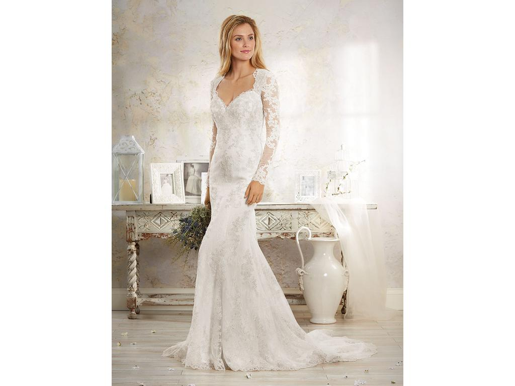 Alfred Angelo 8552, $999 Size: 14