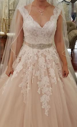 e6df1cdee2d9 Allure Bridals 9272, $1,200 Size: 6 | New (Un-Altered) Wedding Dresses