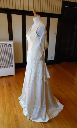 Kirstie kelly 199 size 12 sample wedding dresses pin it kirstie kelly 12 junglespirit Image collections