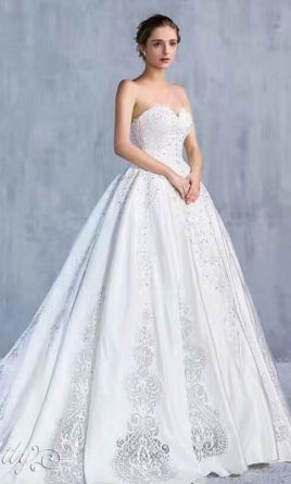 Other knightly royal wedding gown with long train 2500 size 4 other knightly royal wedding gown with long train 4 junglespirit Image collections