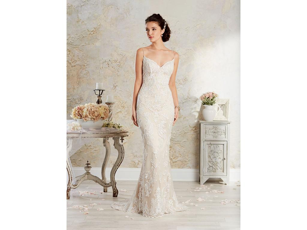 Alfred Angelo 8564, $699 Size: 12 | New (Un-Altered) Wedding Dresses