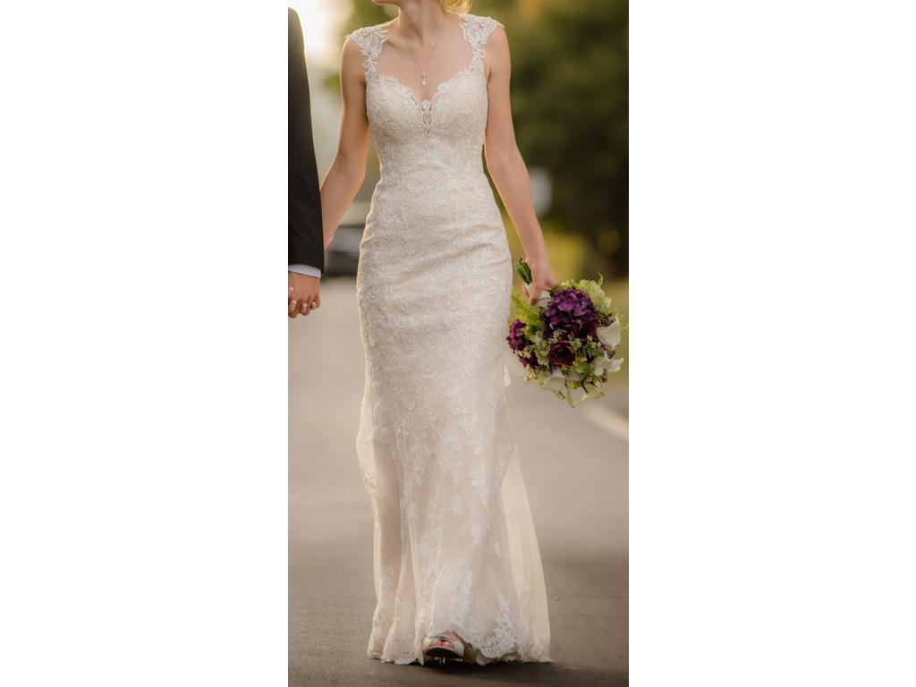 Stella york 6245 900 size 6 used wedding dresses for Pre used wedding dresses