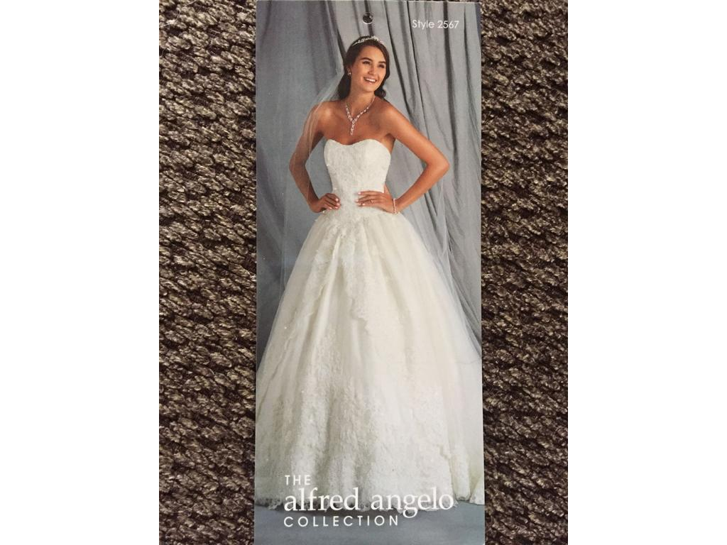 Alfred Angelo 2567, $699 Size: 2 | Used Wedding Dresses