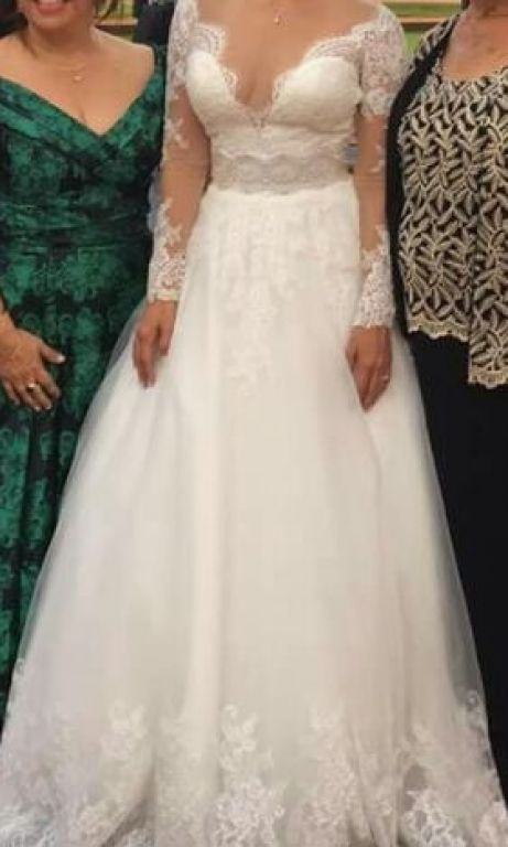 Allure Bridals $1,000 Size: 10 | Used Wedding Dresses