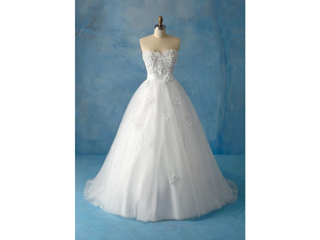 Alfred Angelo Snow White - Style 207, $750 Size: 16W | New (Un ...