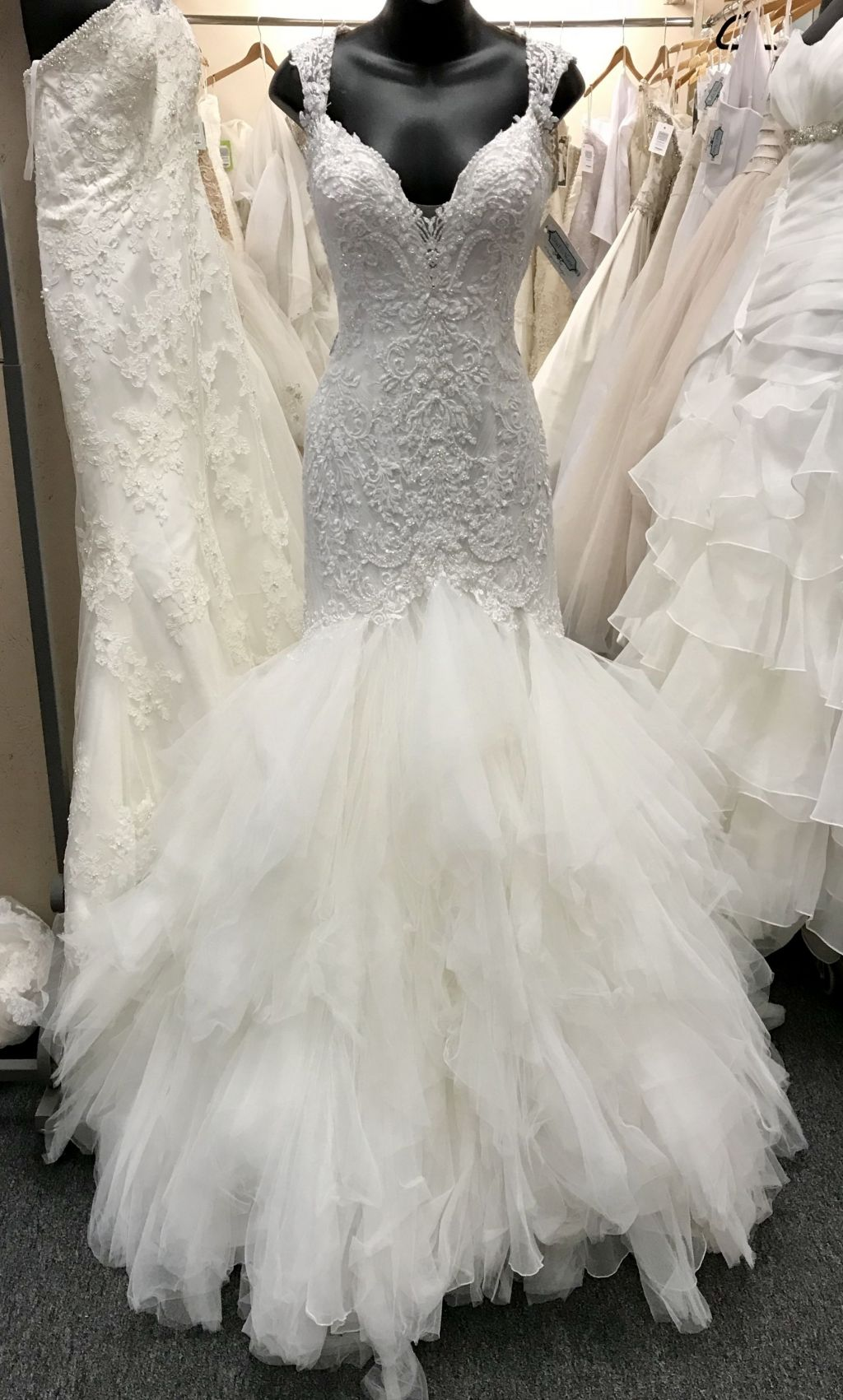 Justin alexander 8827 1 200 size 10 used wedding dresses for Pre owned wedding dresses