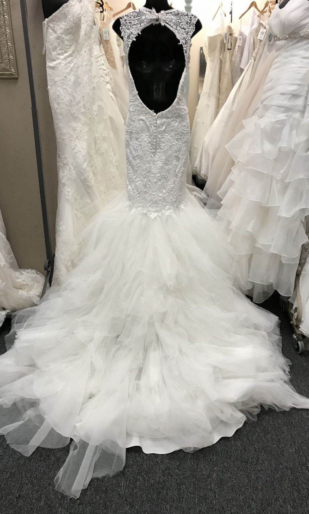 Justin alexander 8827 1 200 size 10 used wedding dresses for Used wedding dresses kansas city