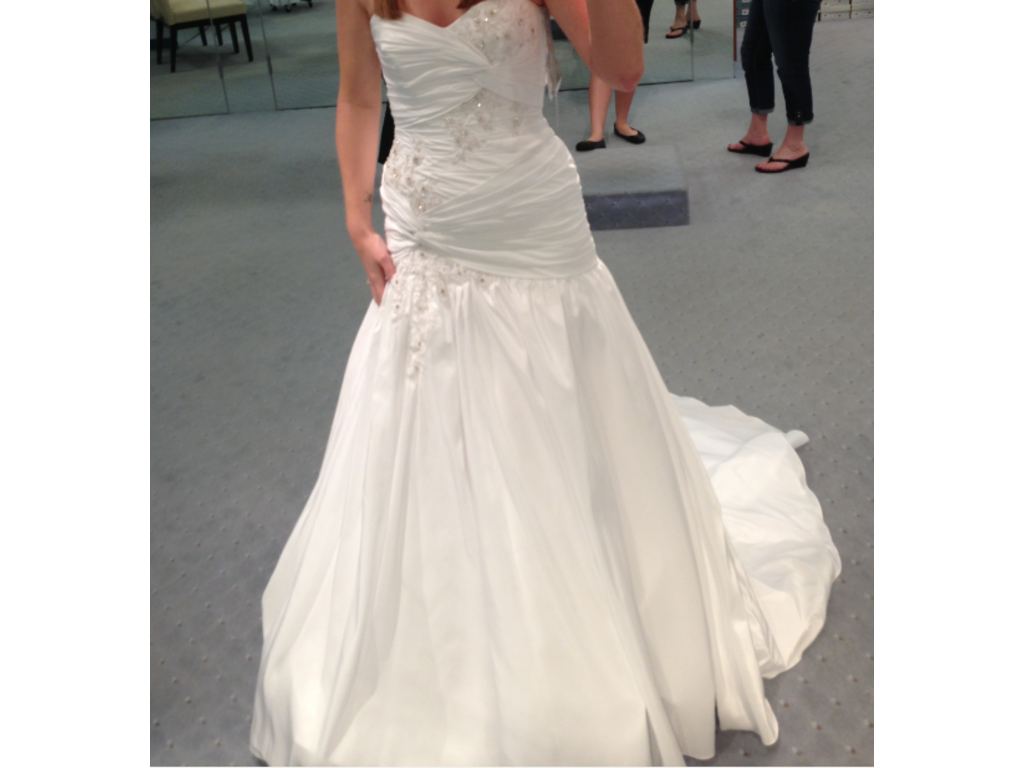 Alfred Angelo 869937 600 Size 4 New Un Altered Wedding Dresses