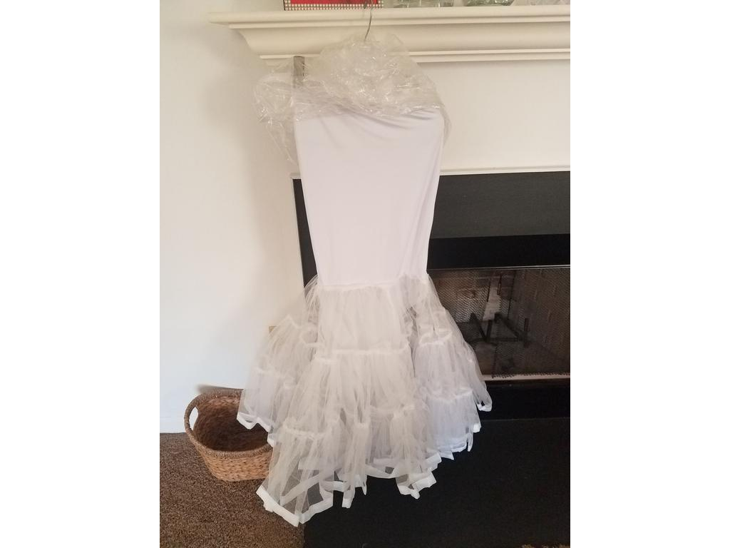 Alfred angelo 2454 800 size 6 used wedding dresses for Wedding dresses reading pa